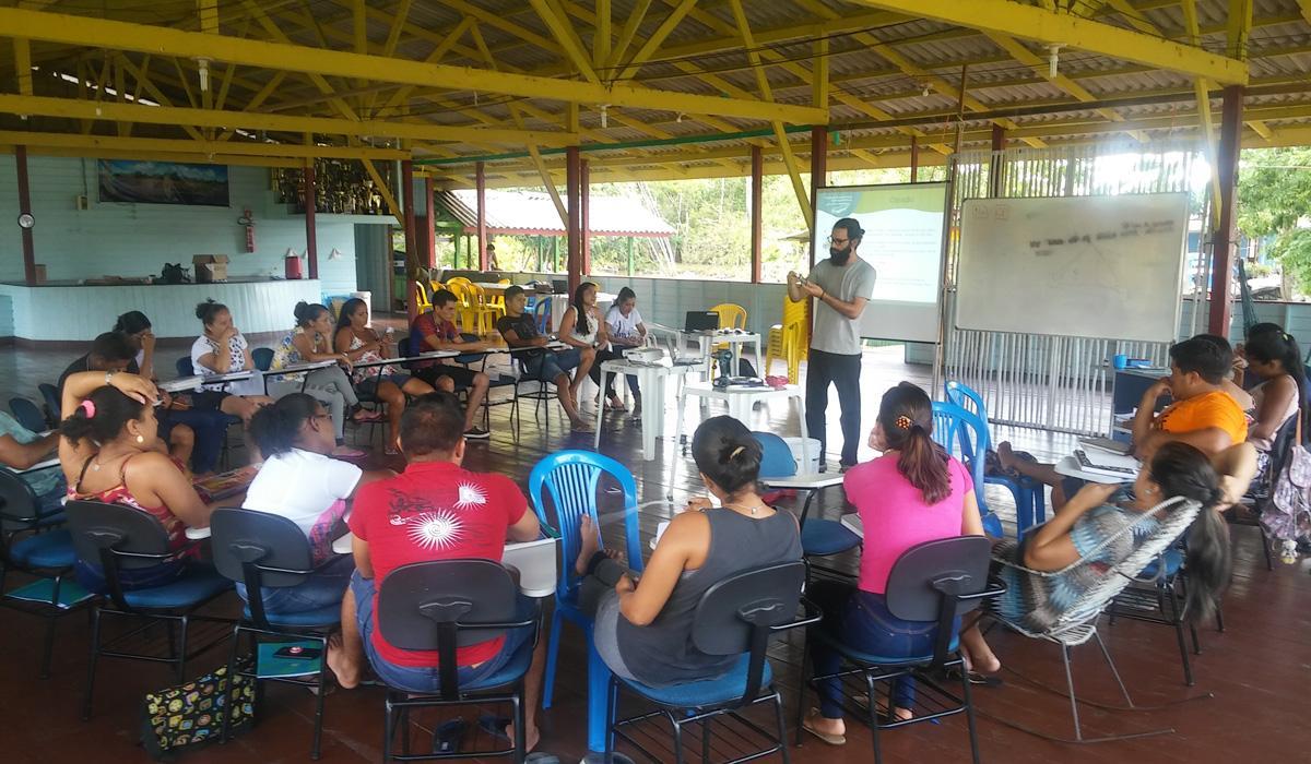 Energia solar e tratamento de água é tema de curso de multiplicadores no Amapá