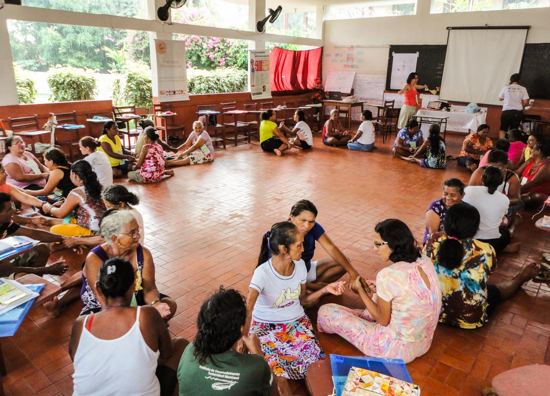 Parteiras tradicionais da Amazônia apresentam seu trabalho em exposição em Tefé